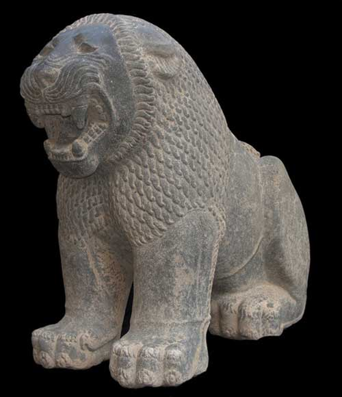 University of Toronto archaeologists - Lion Sculpture