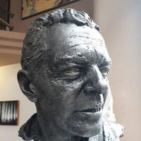 Portrait of Mr. Antonio Banderas by Eva Karcag - search and link Sculpture with SculptSite.com