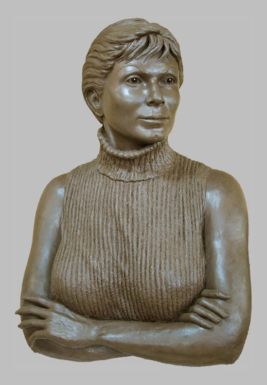 Portraits - Caroline by Edd Hayes - search and link Sculpture with SculptSite.com