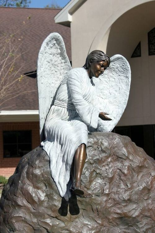 Monuments - He is Risen by Edd Hayes - search and link Sculpture with SculptSite.com