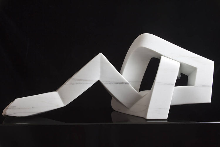 D Knot 2 by Robin Antar - search and link Sculpture with SculptSite.com