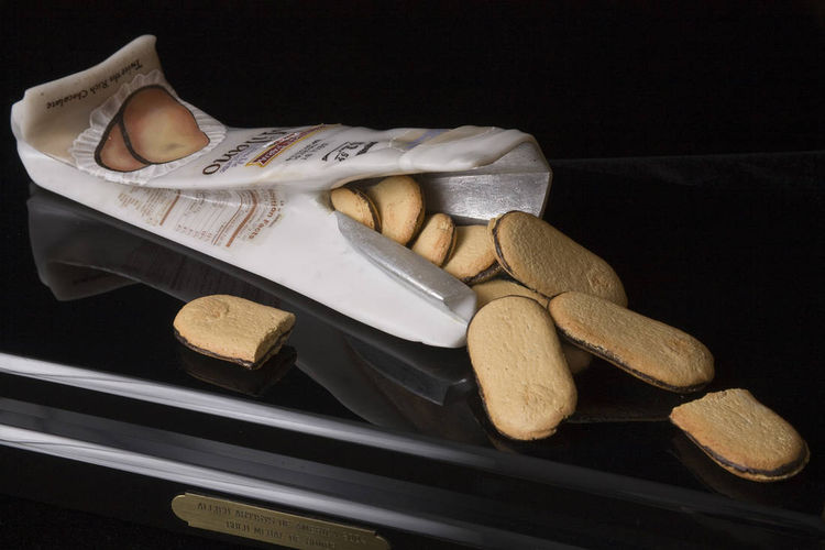 Milano Cookies by Robin Antar - search and link Sculpture with SculptSite.com