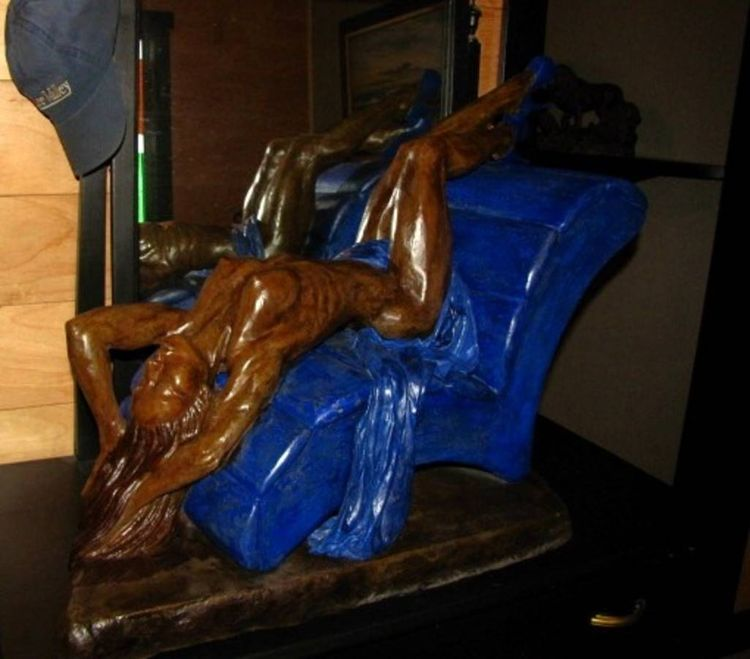 Lady in a chair by Edward Kitt - search and link Sculpture with SculptSite.com