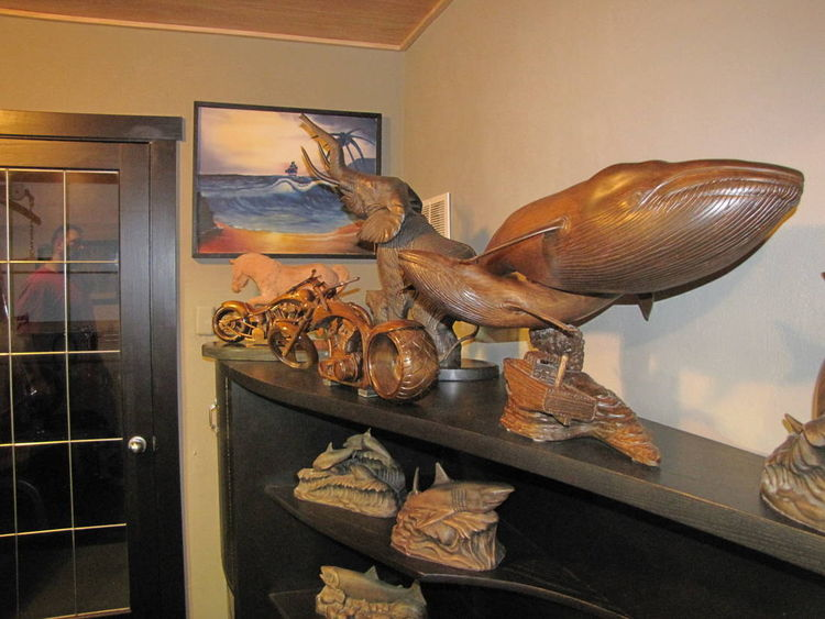 Blue Whale  by Edward Kitt - search and link Sculpture with SculptSite.com