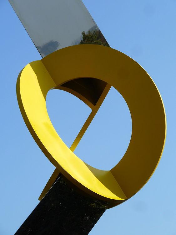 EIDOLON : OBLIQUO LIU KAIQU by Jon Barlow Hudson - search and link Sculpture with SculptSite.com