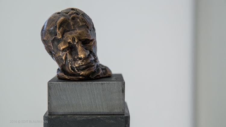 The dream of Attila by Eva Karcag - search and link Sculpture with SculptSite.com