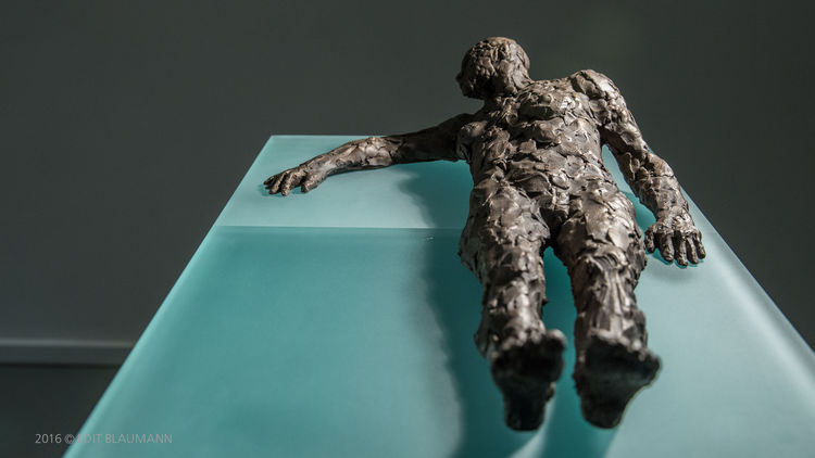No Other Choice by Eva Karcag - search and link Sculpture with SculptSite.com