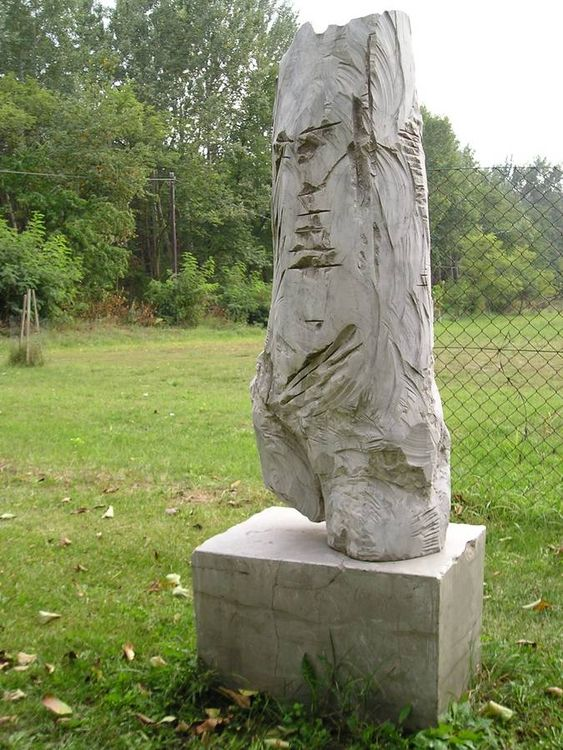 Massive Contrapost by Eva Karcag - search and link Sculpture with SculptSite.com