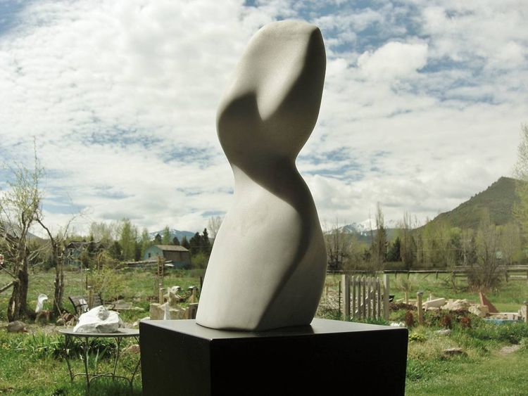 The Belle by Martin Cooney - search and link Sculpture with SculptSite.com