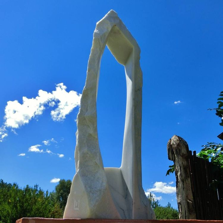 Oblique Perspective by Martin Cooney - search and link Sculpture with SculptSite.com
